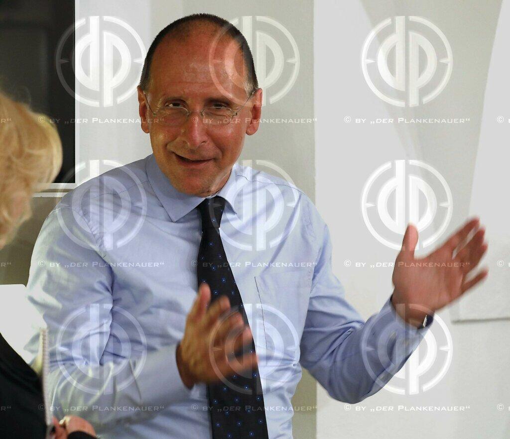Univ.-Prof. Dr. Peter FILZMAIER im Presseclub